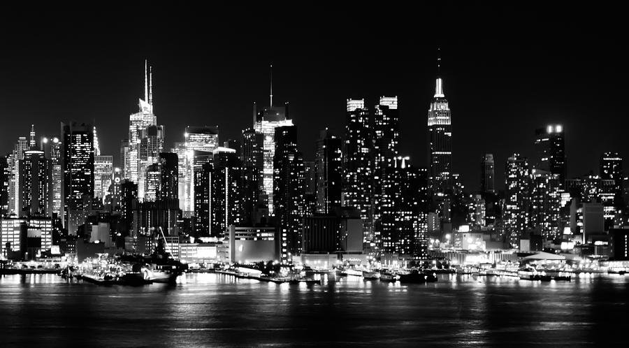 NYC skyline B&W for my header picture